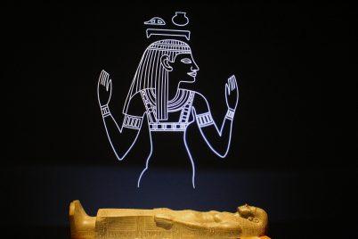 View of sarcophage in gold @CelinaLafuentedeLavotha