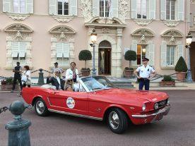 Classy ladies on board classic cars @CCM