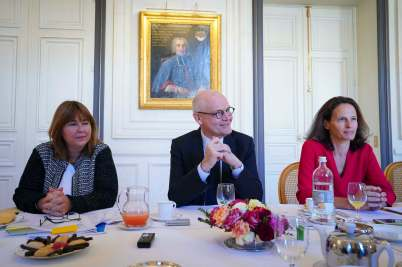 H.E. Serge Telle (center) surrounded by Marie Pierre Gramaglia (L) and Annabelle Jaeger Seydoux @Michel Alesi, Direction de la Communication