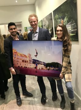 Nicolas Jelmoni, Jordan Matter and Charlotte O'Sullivan with a photo taken by Matter in the Monaco Palace Square @CelinaLafuentedeaLavotha