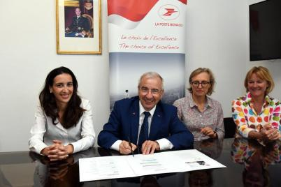 The Monaco Post Office signed the National Energy Pact, Jean-Luc Delcroix, Isabelle Curau Bloch and post office managers @Manuel Vitali, Direction de la Communication