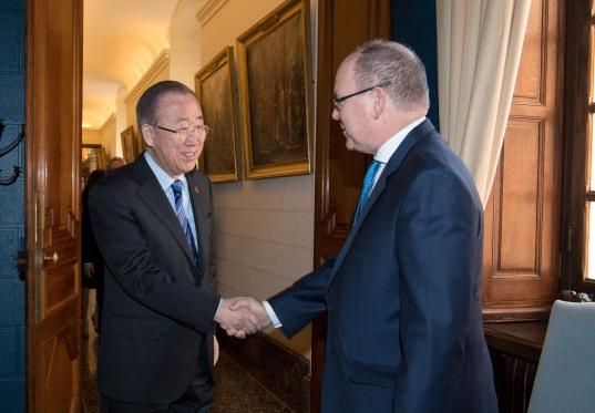 HSH Prince Albert II of Monaco welcoming Ban Ki-moon, guest of honor of CleanEquity March 2019@Gaetan Luci