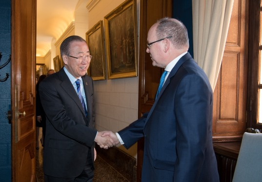 HSH Prince Albert II of Monaco welcoming Ban Ki-moon, guest of honor of CleanEquity March 2019@Gaetan Luci