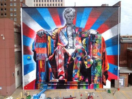 Street-Art-by-Eduardo-Kobra-of-Abraham-Lincoln-in-Kentucky-USA-56456