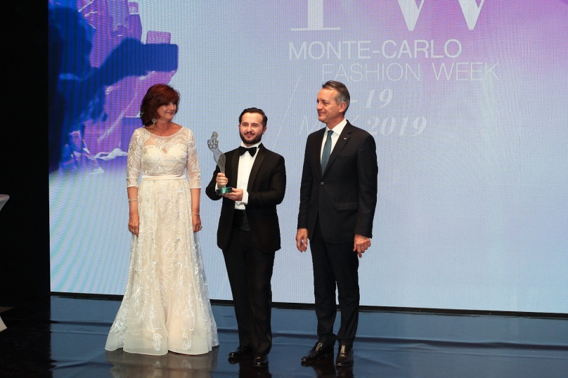 Best Emerging Designer Award Gilberto Calzolari, Mireille Pietri, General Secretary CMM, and Georges Marson, Mayor of Monaco @Danile Guidetti