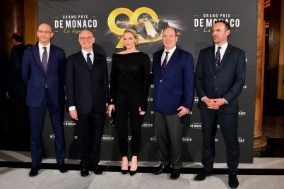 Prince Albert and Princess Charlene with Serge Telle, Minister of State and Yann Anthony Nogues and Franck Forino, Grand Prix de Monaco La légende @Direction de la Communication:Manuel Vitali