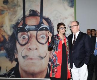 Prince Albert II and exhibition curator Montse Aguer @JC Vinaj, Grimaldi Forum Monaco