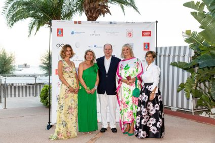 Prince Albert II of Monaco with members of the Bureau of AFCEM, Hilde Haneuse Heye, Caterina Reviglio-Soninno (Right), Cinzia Cicolella and Emmanuel Bouvet (Left) @Philippe Fitte