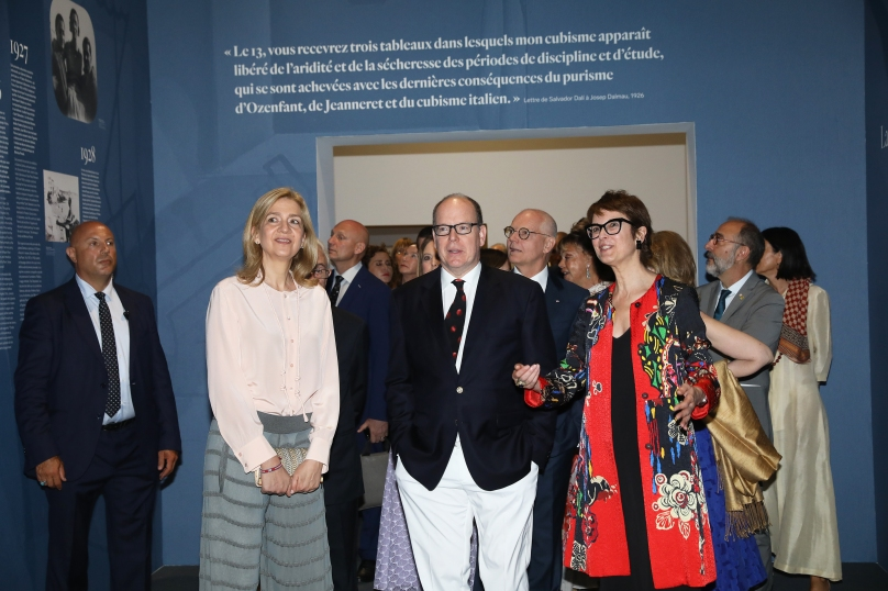 Prince Albert II with the Infanta Cristina de Bourbon and exhibition curator Montse Aguer @JC Vinaj, Grimaldi Forum Monaco
