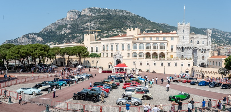 The automobiles participating in the Elegance and Automobile in Monte-Carlo, 2019 on the Palace Square@ Eric Mathon : Palais Princier