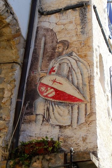 A fresco of a knight on one of the walls in Seborga @CelinaLafuentedeLavotha