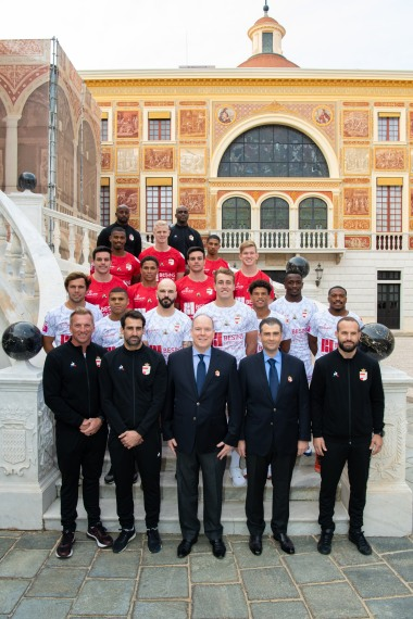 Prince Albert with Emmanuel Falco and the Monaco Rugby 7s team @Gaetan Luci, Palais Princier Monaco
