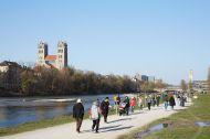 People enjoying the outdoors in Munich, Germany March 31, 2020@helenaheilig.de