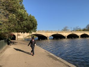 The masked jogger along Serpentine Lake, London, UK April 5, 2020@Ella Montclare